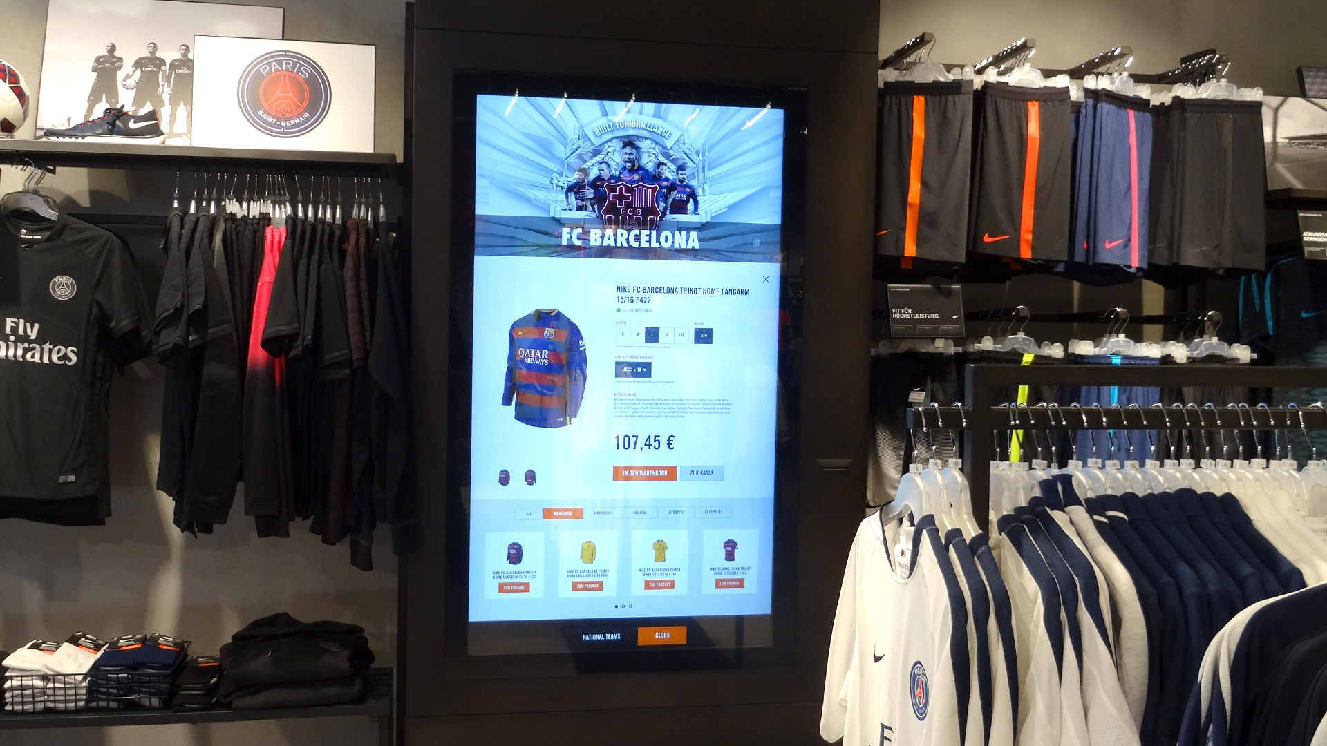 nike digital retail experience replica kiosk auf 4k multitouch display